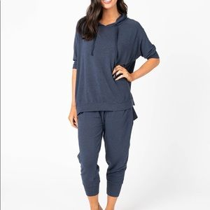 Agnes And Dora essential crop pants-price firm
